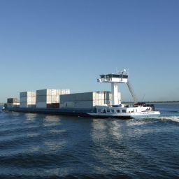 Containers van weg naar binnenvaart | Ladingen bundelen Kloosterboer / McCain